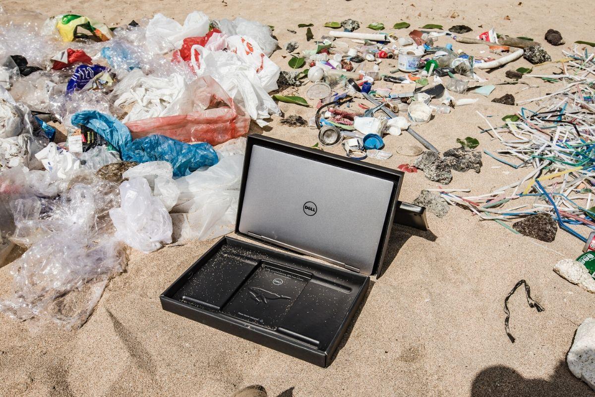 Dell Computer with beach plastic