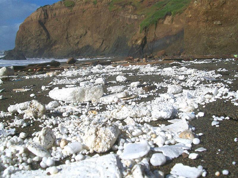 Polystyrene foam and ocean pollution